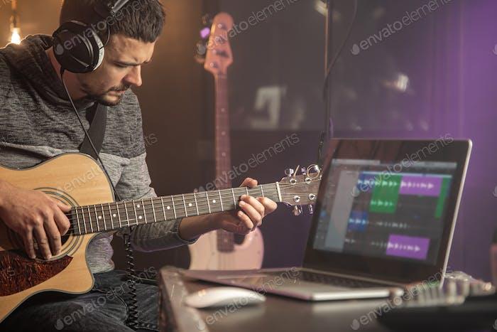 Professionelle Musiker-Aufnahme im Studio.