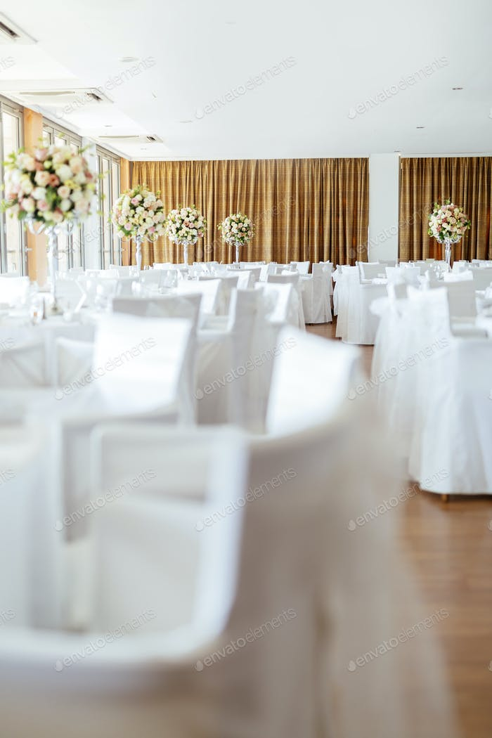 Beautiful wedding tables and in bouquet