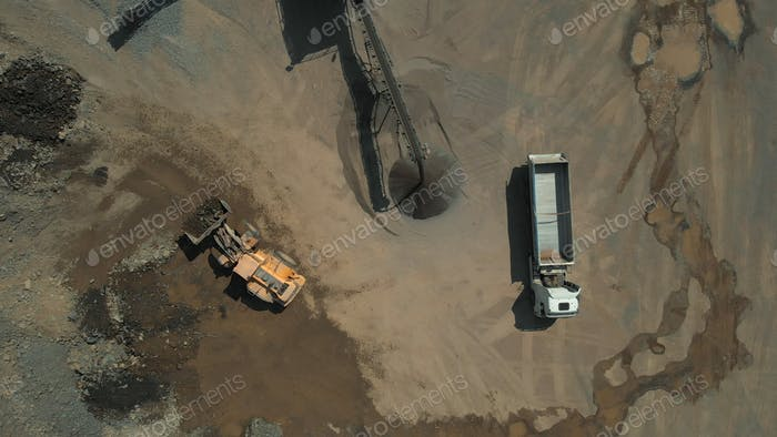 Vista superior del carbón minero