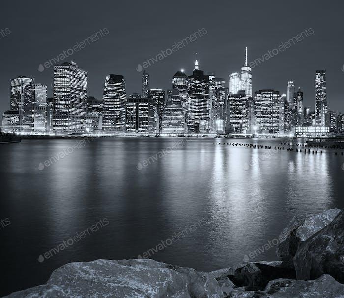 Schwarz-Weiß-Bild von New York City Nacht Skyline, USA