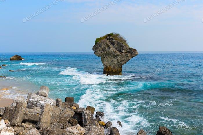 Kenting Chuanfan Rock