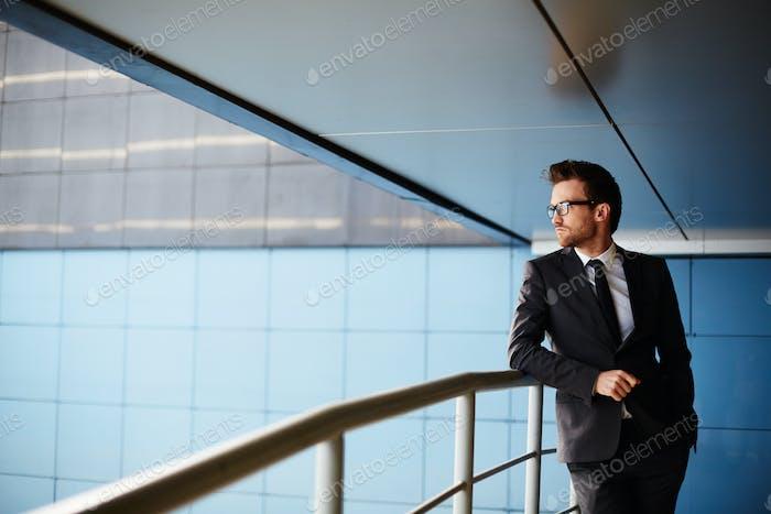 Eleganter Geschäftsmann