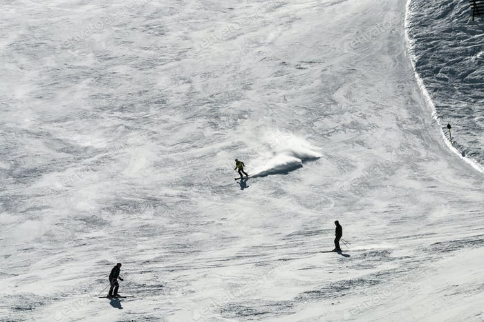 Лыжники против света, Австрия