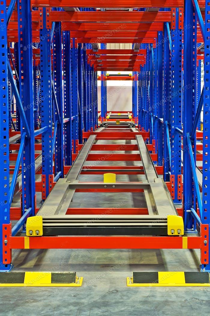Warehouse storage inside shelving metal pallet racking systems