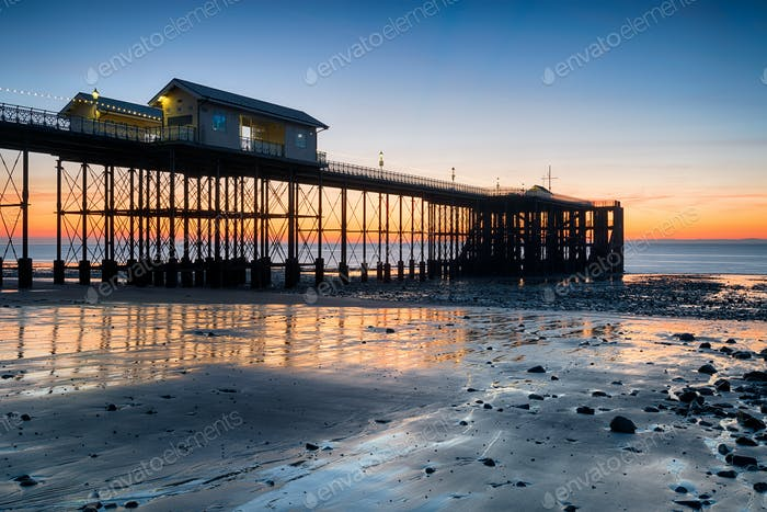 Sunrise at Penarth Pier in Wales