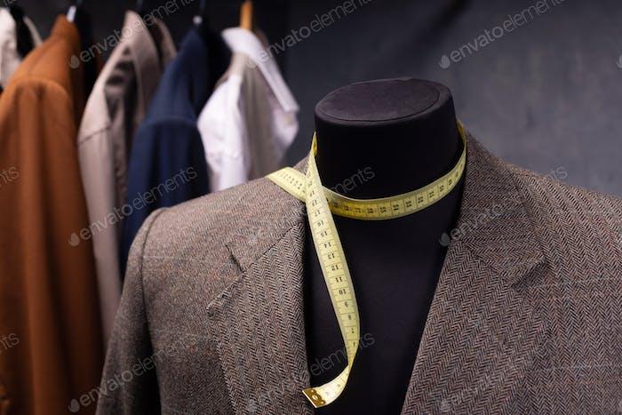пиджак на мужском манекены портного
