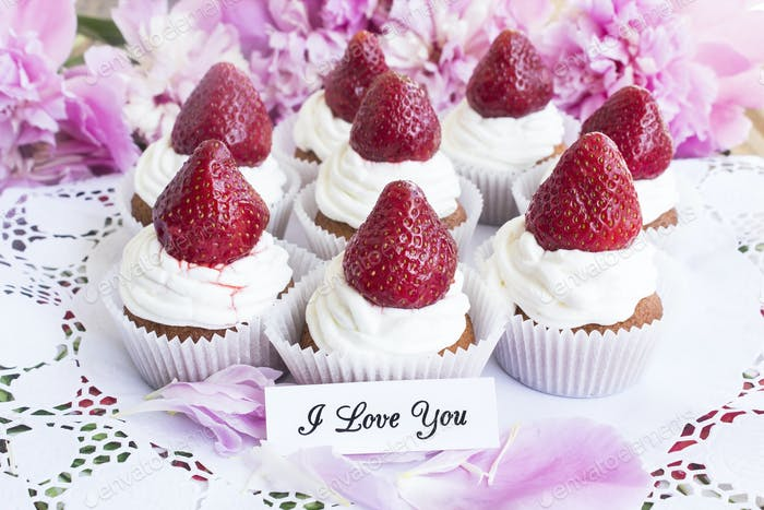 I Love You Card with Strawberries Cupcakes