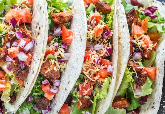 Vier mexikanische Tacos