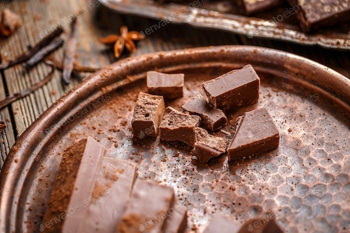Hausgemachte Schokoladenstäbchen