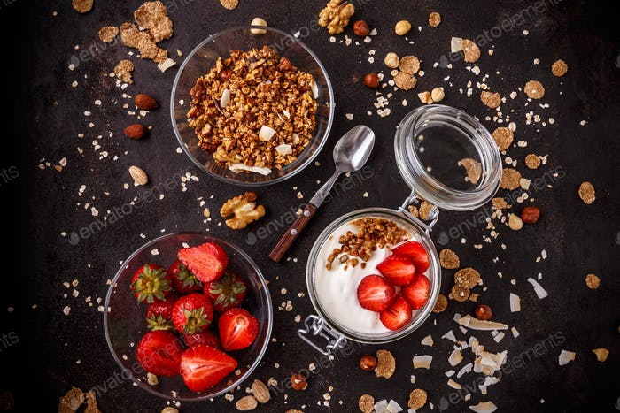Tasty granola with yogurt