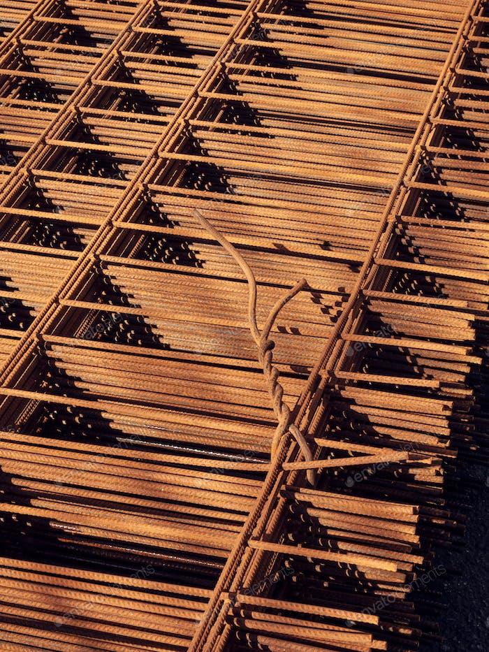 Rusty Metal armature mesh