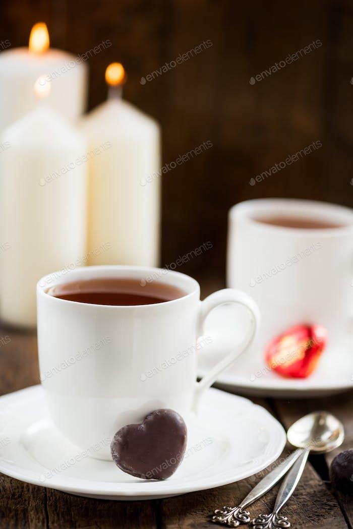 Heiße Schokolade in weißer Tasse
