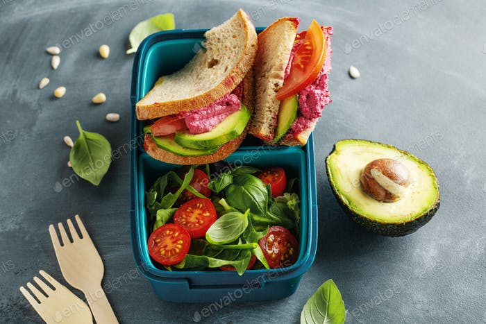 Vegan lunch to go served in lunch box