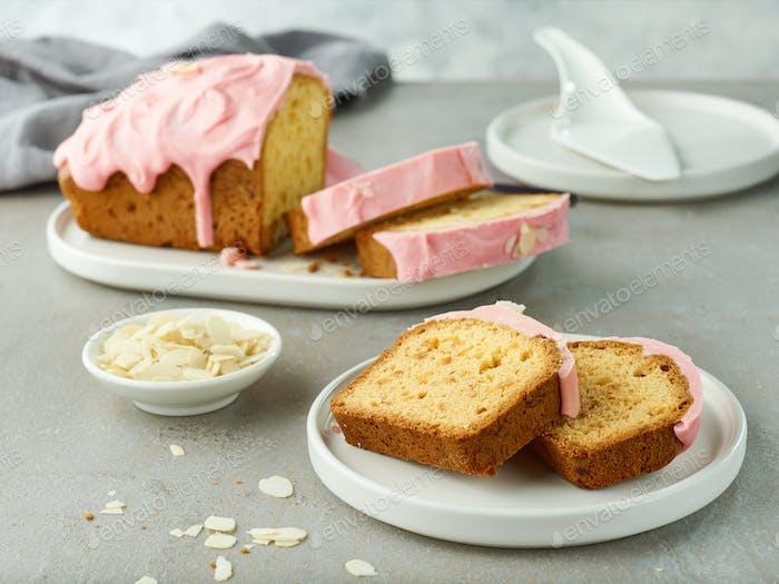 geschnittenes süßes Brot