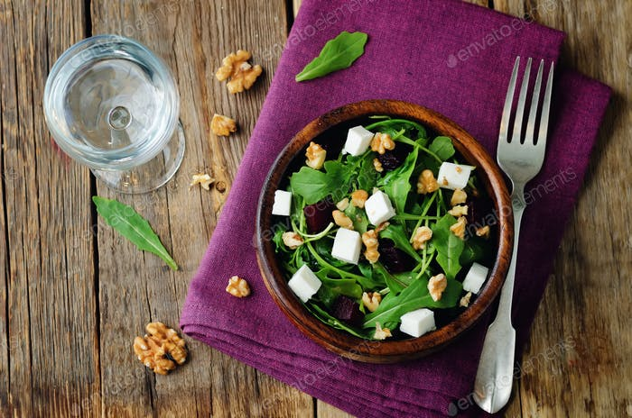 Arugula beet goat cheese walnuts salad