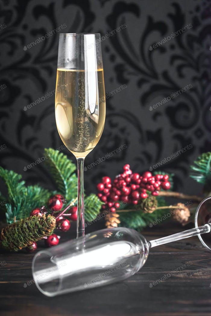 Gasses of champagne with Christmas tree