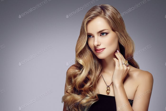Glamour healthy hairstyle woman long blonde hair