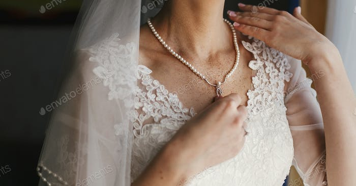 Bridal morning preparations
