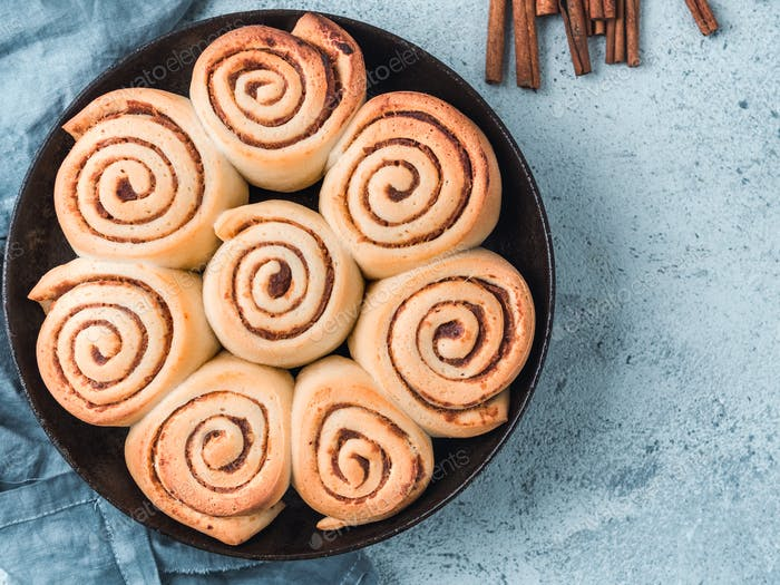 Vegan cinnamon rolls, top view