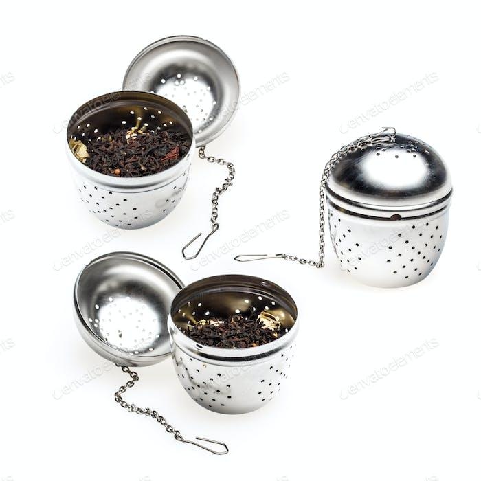 Metallic tea strainer infuser
