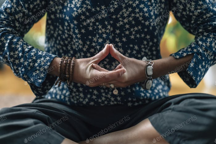 Vishuddha Mudra - Mudra Used in Meditation for Creativity and Self-Expression
