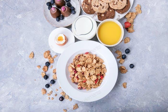 Hausgemachtes Müsli Frühstück