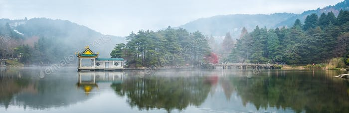 panoramic view of the lake in lushan