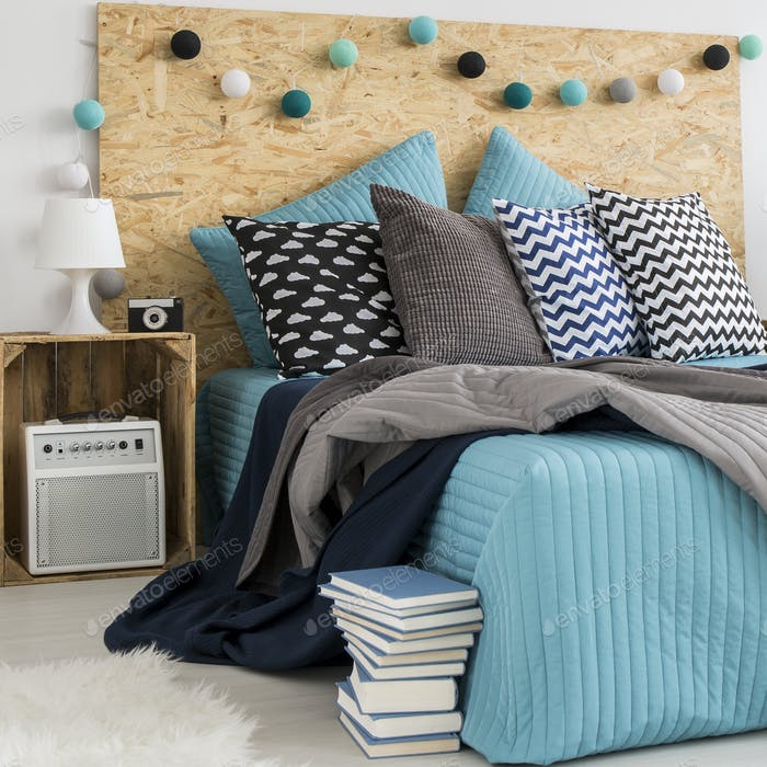 Large Bed With Decorative Pillows Foto Von Bialasiewicz Auf Envato Best Large Bed Pillows Decorative