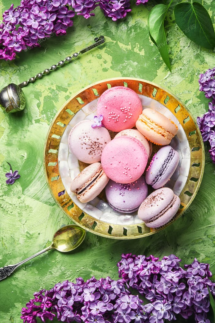 Sweet french macaroons