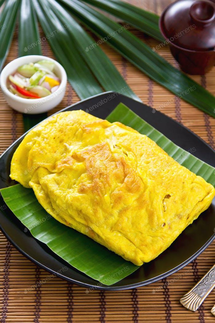 Stir gebratene Bohnensprießen in Omelett eingewickelt [Thai's Essen]