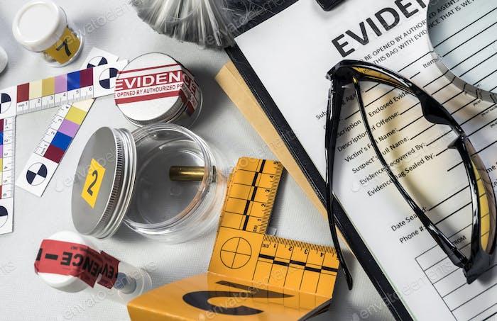 Verschiedene Labortests forensische Ausrüstung, konzeptionelles Bild