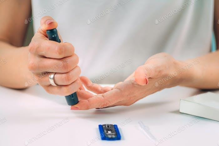 Rapid Covid19 Fingerstich Antikörper-Test