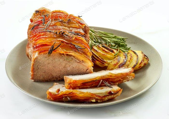 gebratenes Schweinefleisch und Kartoffeln