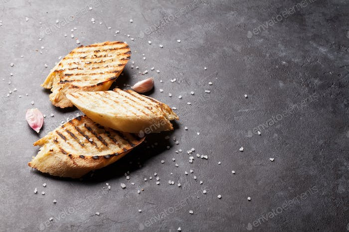Toast bread with salt and garlic