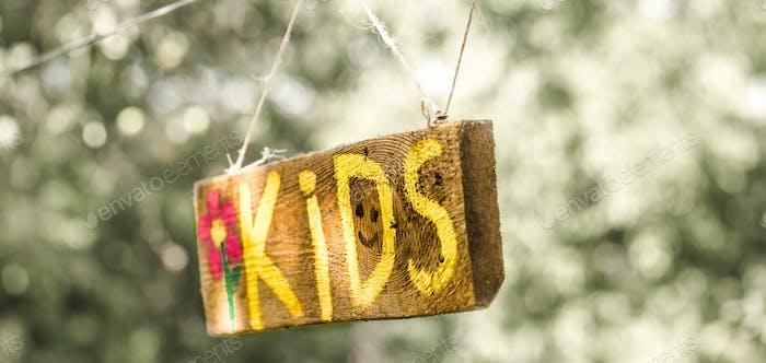 Die Inschrift Kids