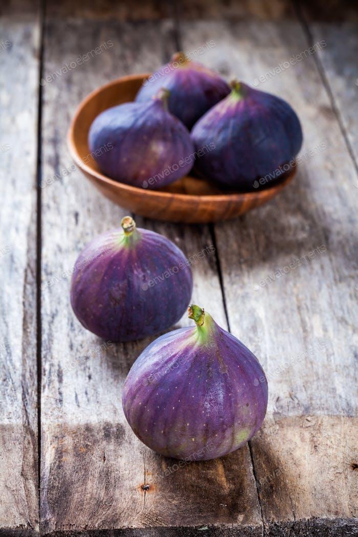 Fresh raw organic figs