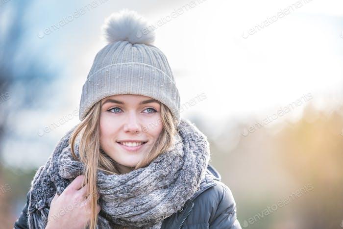 portrait Young pretty woman in winter