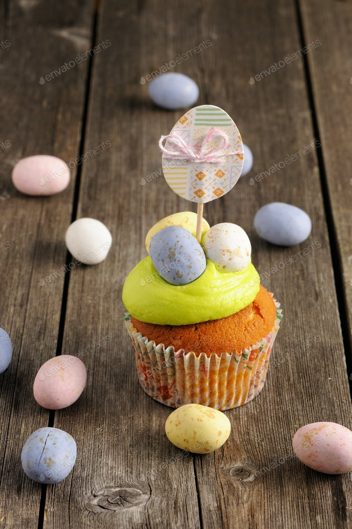 Easter homemade cupcake