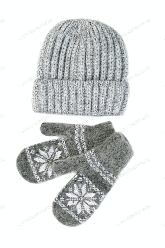 Knitted gloves and cap