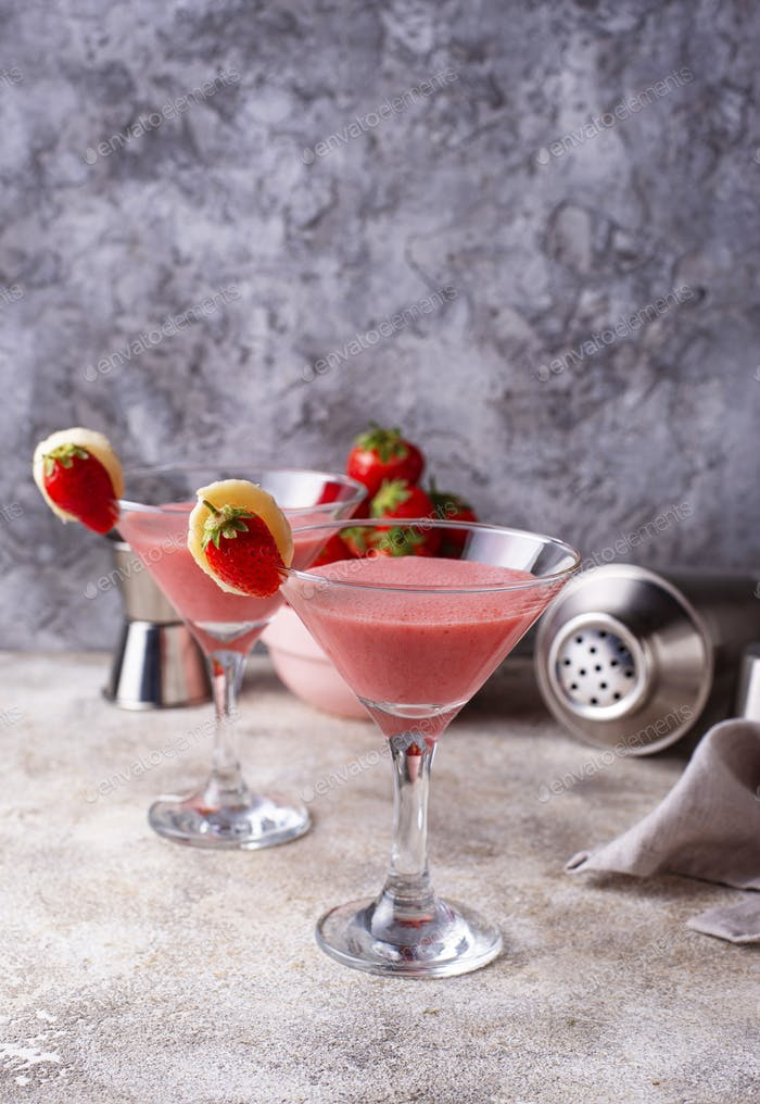Sweet summer strawberry alcoholic cocktail