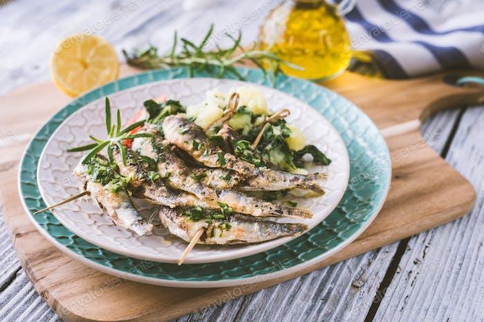 Gesunde Sardinen mit Kartoffel und Mangold