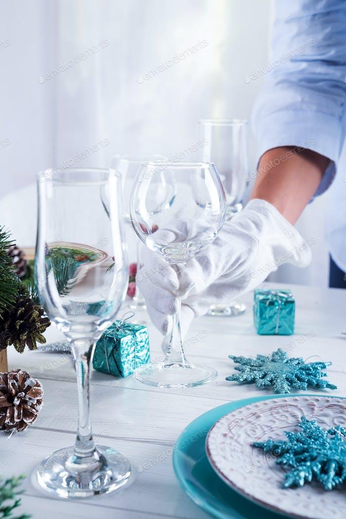 Schöne Tischdekoration für den festlichen Tisch