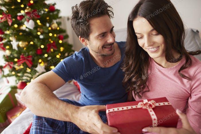 Verbringen von Weihnachten mit einer liebenden Person