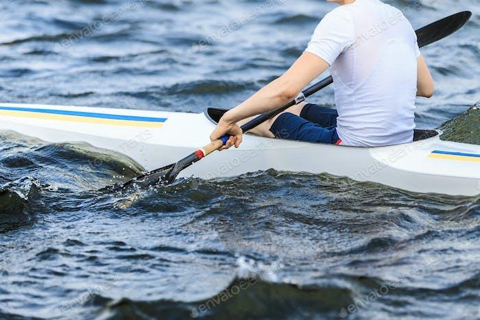 Sportler im Kanu