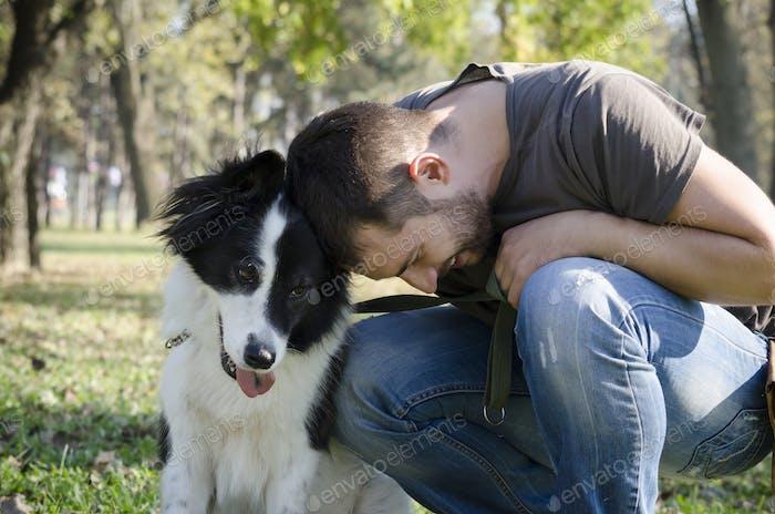 Mann und sein Hund