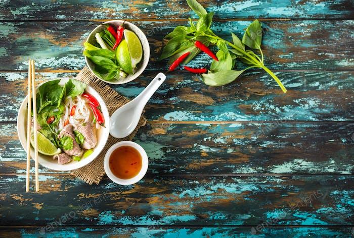Vietnamesische Suppe pho bo