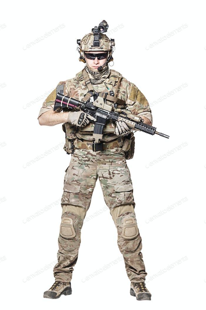 US Army Ranger mit Waffe