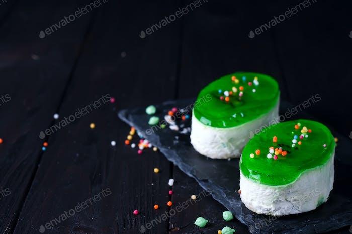 Две порции торт