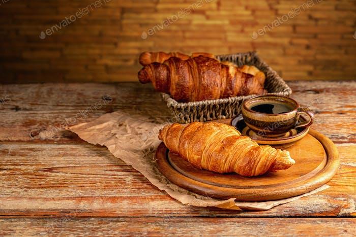 Frische Croissants zum Frühstück