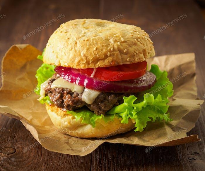 Große leckere hausgemachte Burger